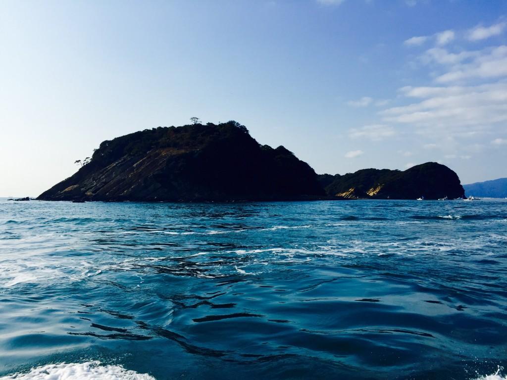 フェリーの上から見た友ヶ島の様子