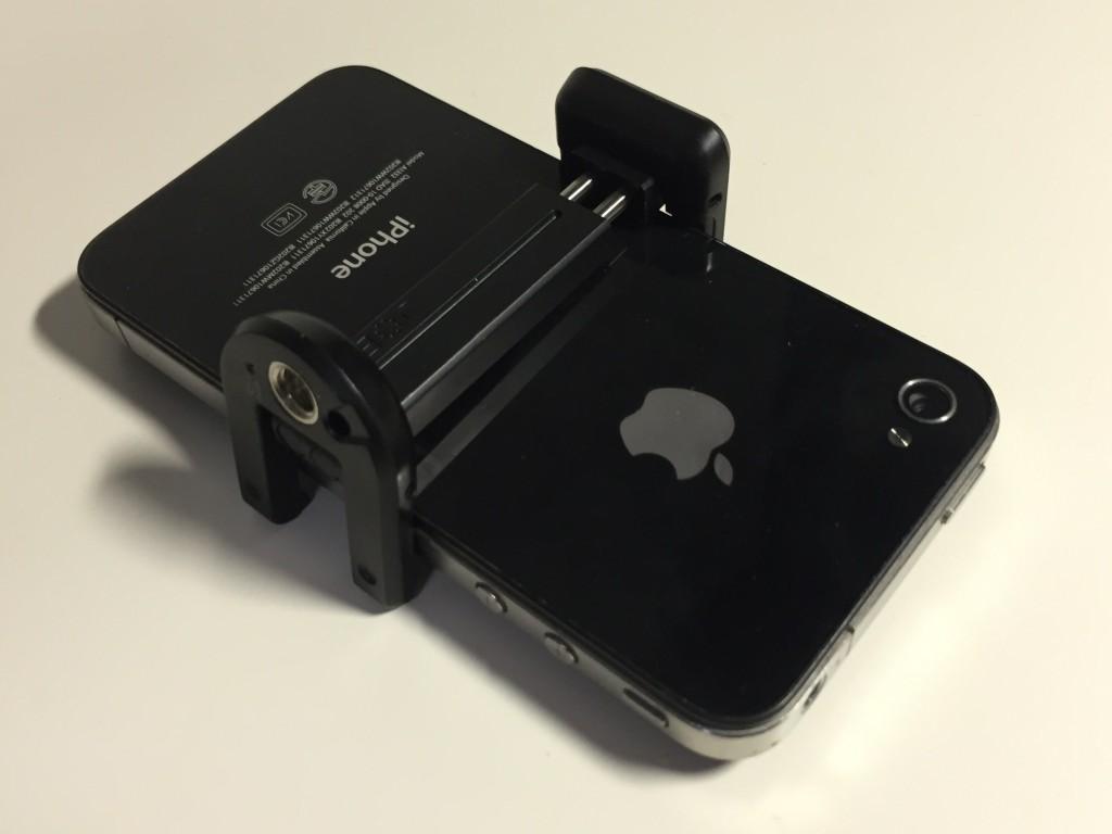 グリップタイトでiPhone4を挟んだ写真